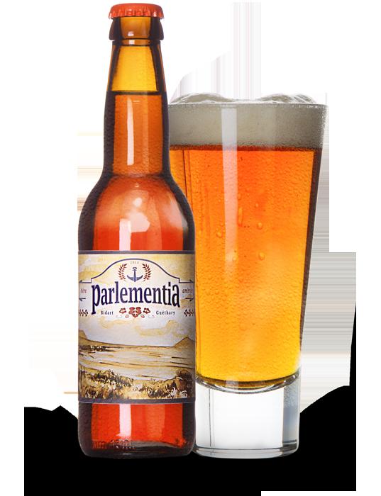Biere Ambree Parlementia dans un verre et dans sa bouteille